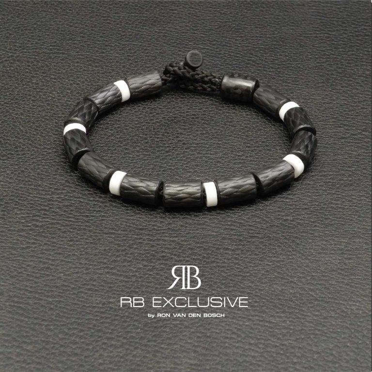 Carbon armband SPORT collectie model Bianco- RB EXCLUSIVE handgemaakte carbon sieraden en accessoires van Nederlandse bodem