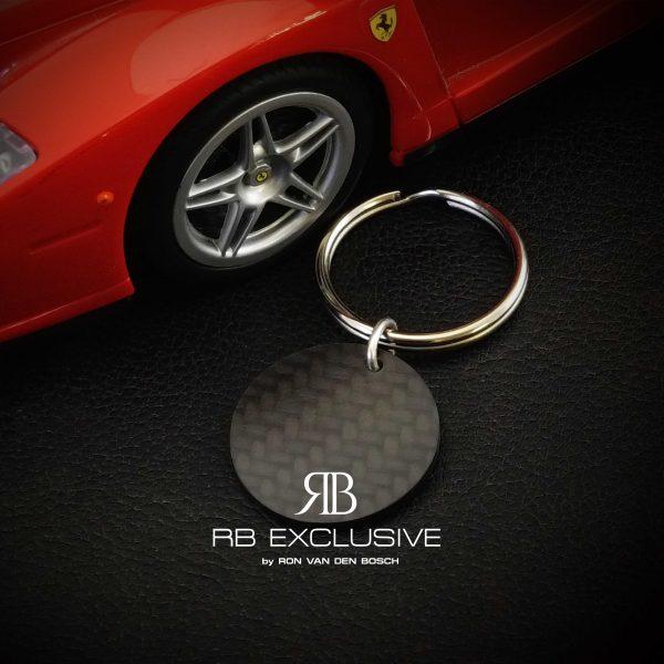Carbon sleutelhanger model Giro – Ferrari – by RB EXCLUSIVE