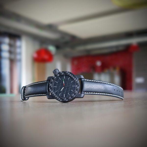 Horloge handgemaakt van carbon model Tricolore by RB EXCLUSIVE