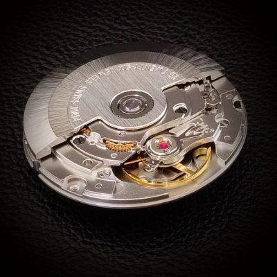 Zwitseres automatisch uurwerk voor carbon horloge RB EXCLUSIVE