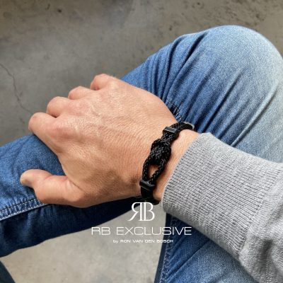 Carbon armband Buttone by RB EXCLUSIVE
