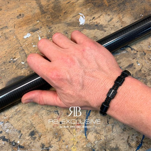 Carbon armband Modena aanzicht