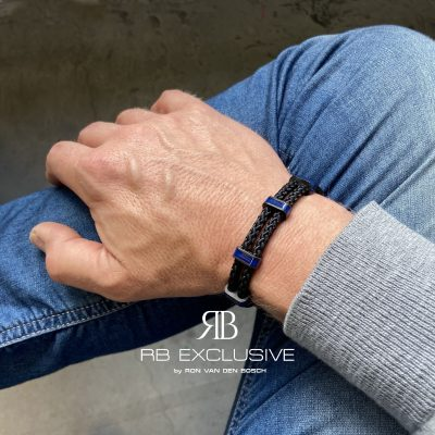 Carbon armband Monza Blue by RB EXCLUSIVE