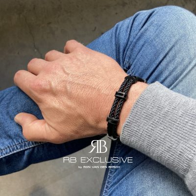 Carbon armband Monza Nero by RB EXCLUSIVE