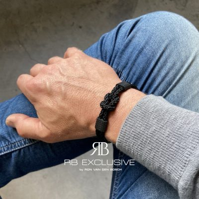 Carbon armband Nodo by RB EXCLUSIVE