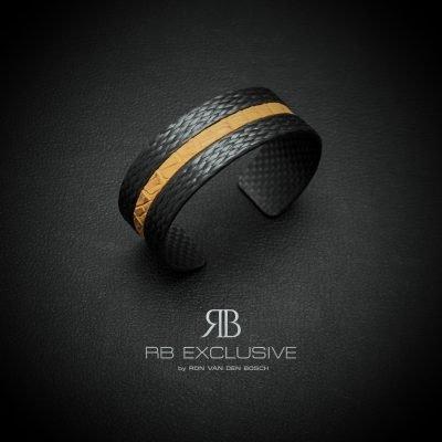 Carbon armband Pelle